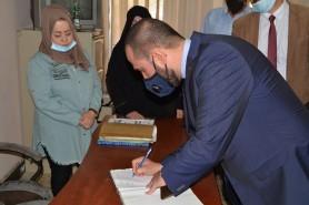 جانب من زياره السيد رئيس الجامعة التكنولوجية المحترم للاقسام الداخلية